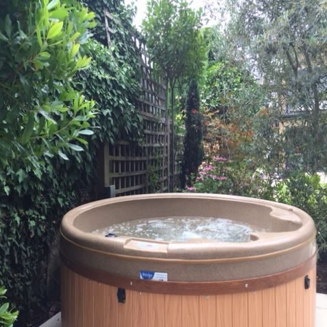Hot Tub Hire In London Middlesex And Surrey Tropical Spring Hot